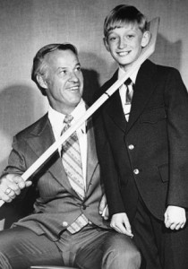 "As this point, is there any Canadian who isn't familiar with this photo?  ""Mr. Hockey,"" and the future ""Great One!"""